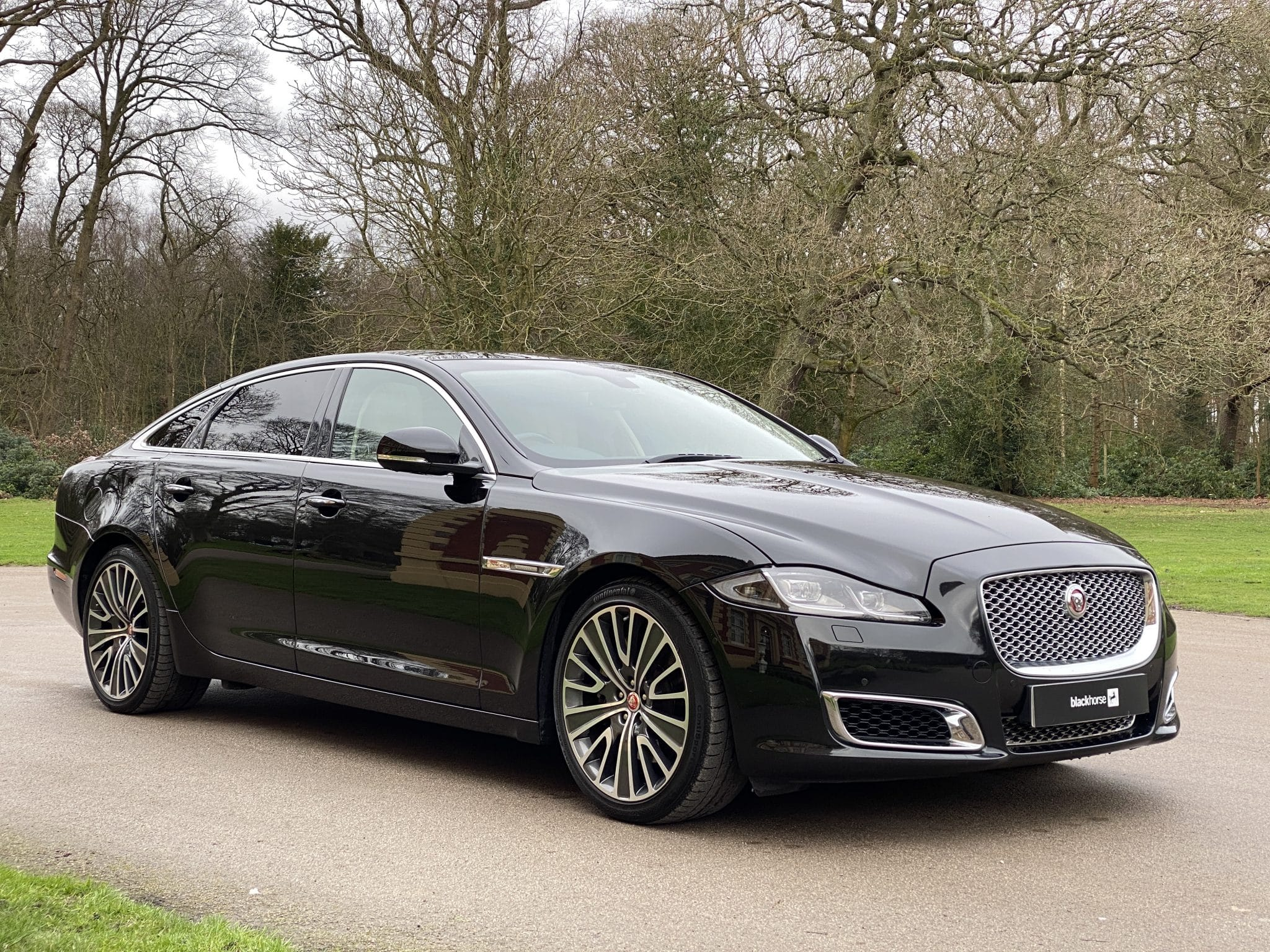 2017 17 JAGUAR XJ LWB 3.0D V6 AUTO AUTOBIOGRAPHY 296BHP AUTO SALOON 1 Prev Owner FSH Rear Screen Excellent Value
