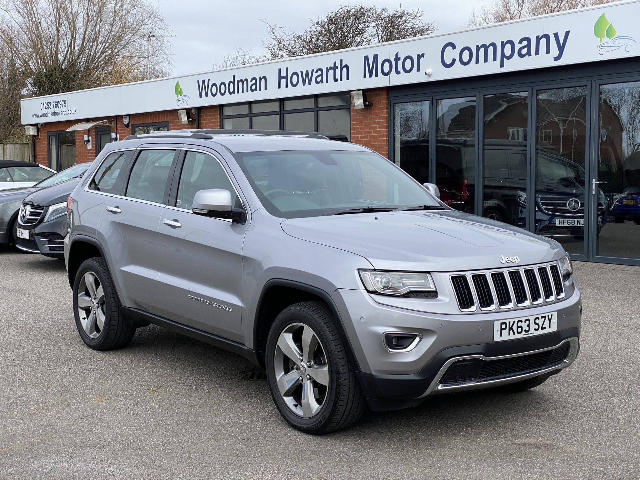 2013 63 JEEP GRAND CHEROKEE LIMITED PLUS 3.0 CRD AUTO 4X4 247 BHP ONE OWNER ONLY 21K Mls Huge Specification Stunning