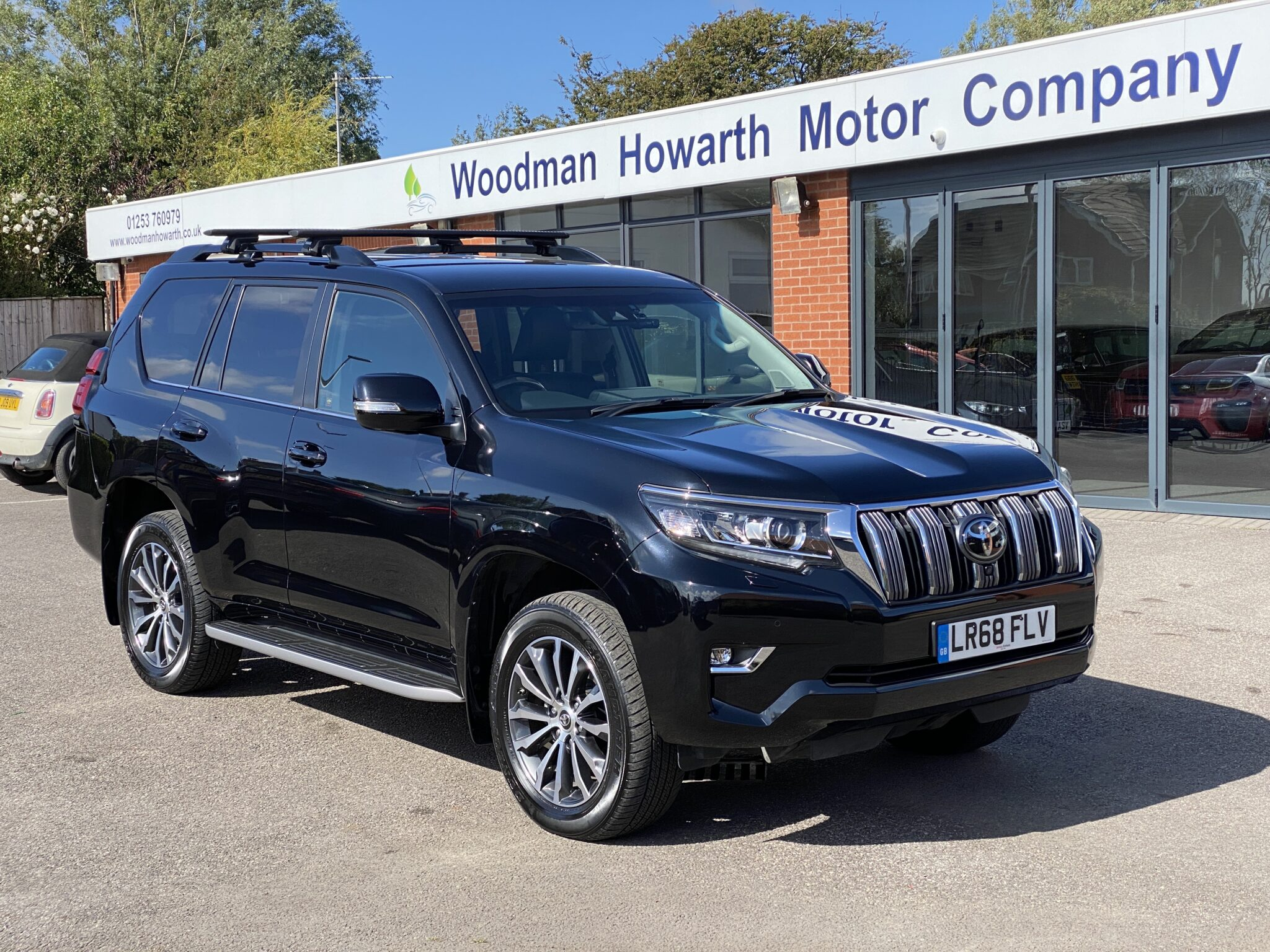 2018 68 TOYOTA LANDCRUISER INVINCIBLE 2.8D AUTO 4WD 7 SEATER FSH Very High Spec Low Miles Immaculate