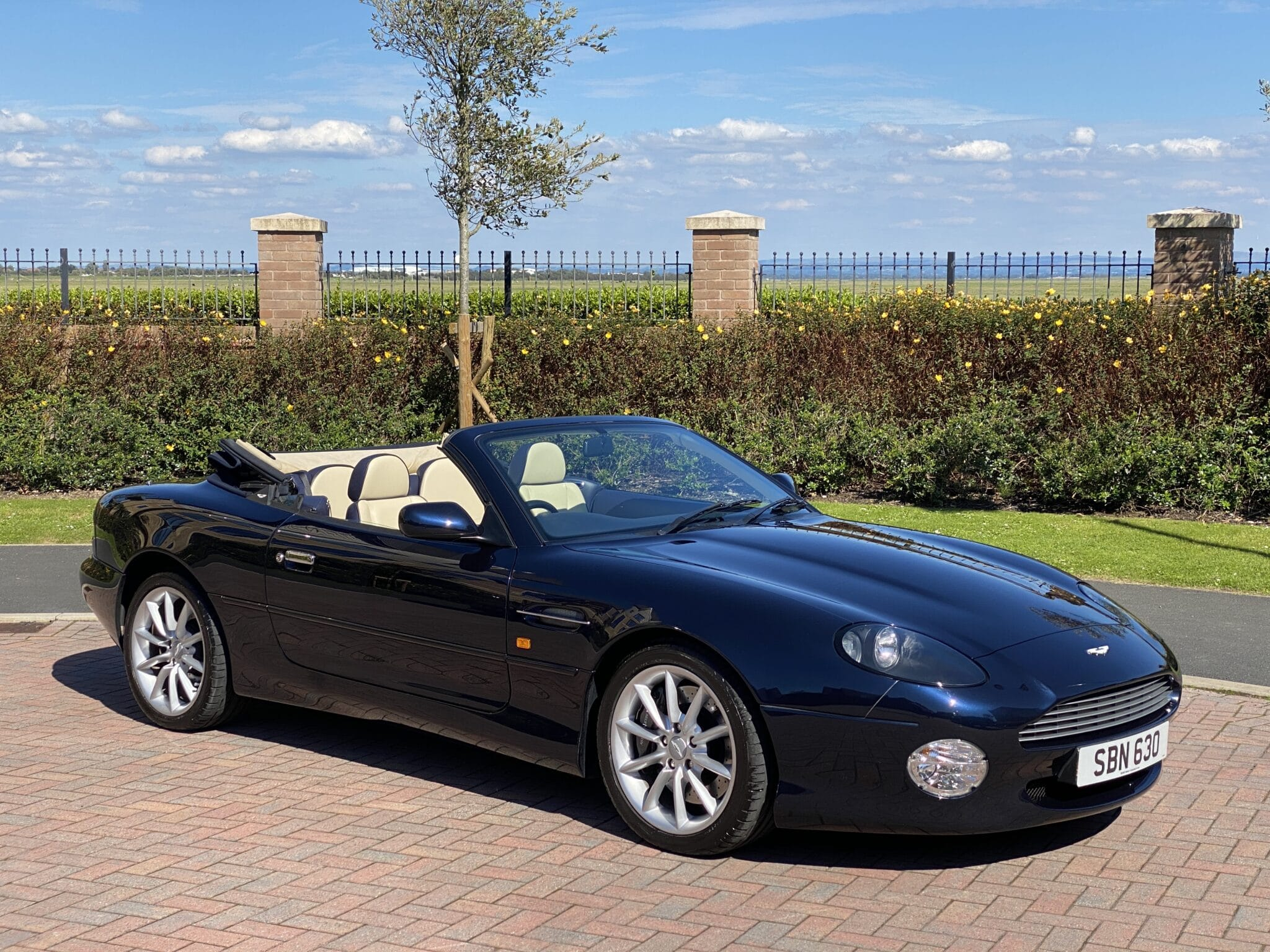 2003 53 ASTON MARTIN DB7 V12 VOLANTE AUTOMATIC 1 Previous Owner FAMSH Only 25K Mls