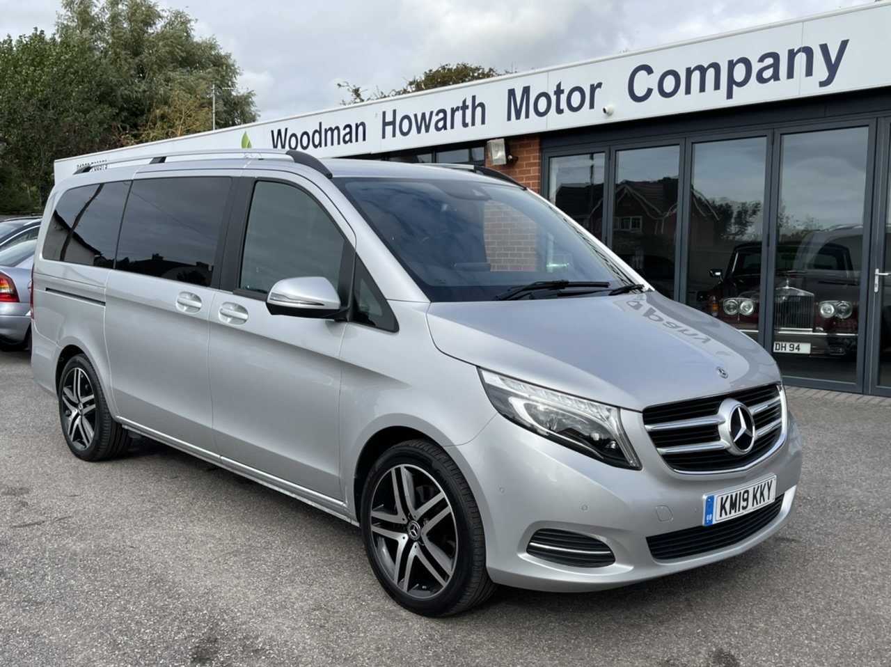 """2019 19 MERCEDES BENZ V220D 163BHP SPORT AUTO LWB - COMAND - Upgraded 19"""" A/W - Factory Tow Pack - Opening Rear Windows - Pan Roof"""