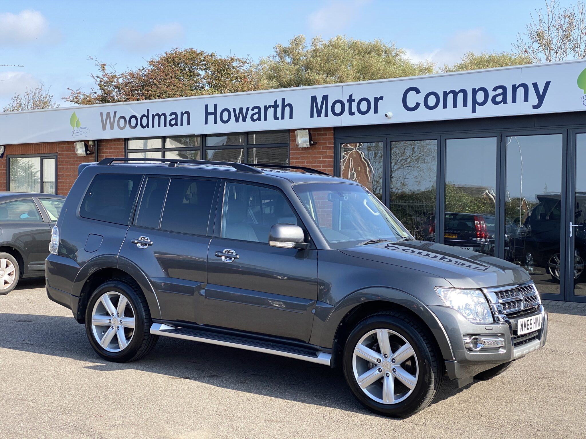 2016 65 MITSUBISHI SHOGUN 3.2 DCI LWB SG4 5 DR AUTO Only 44K Miles Fully Serviced Huge Spec Rear Screens