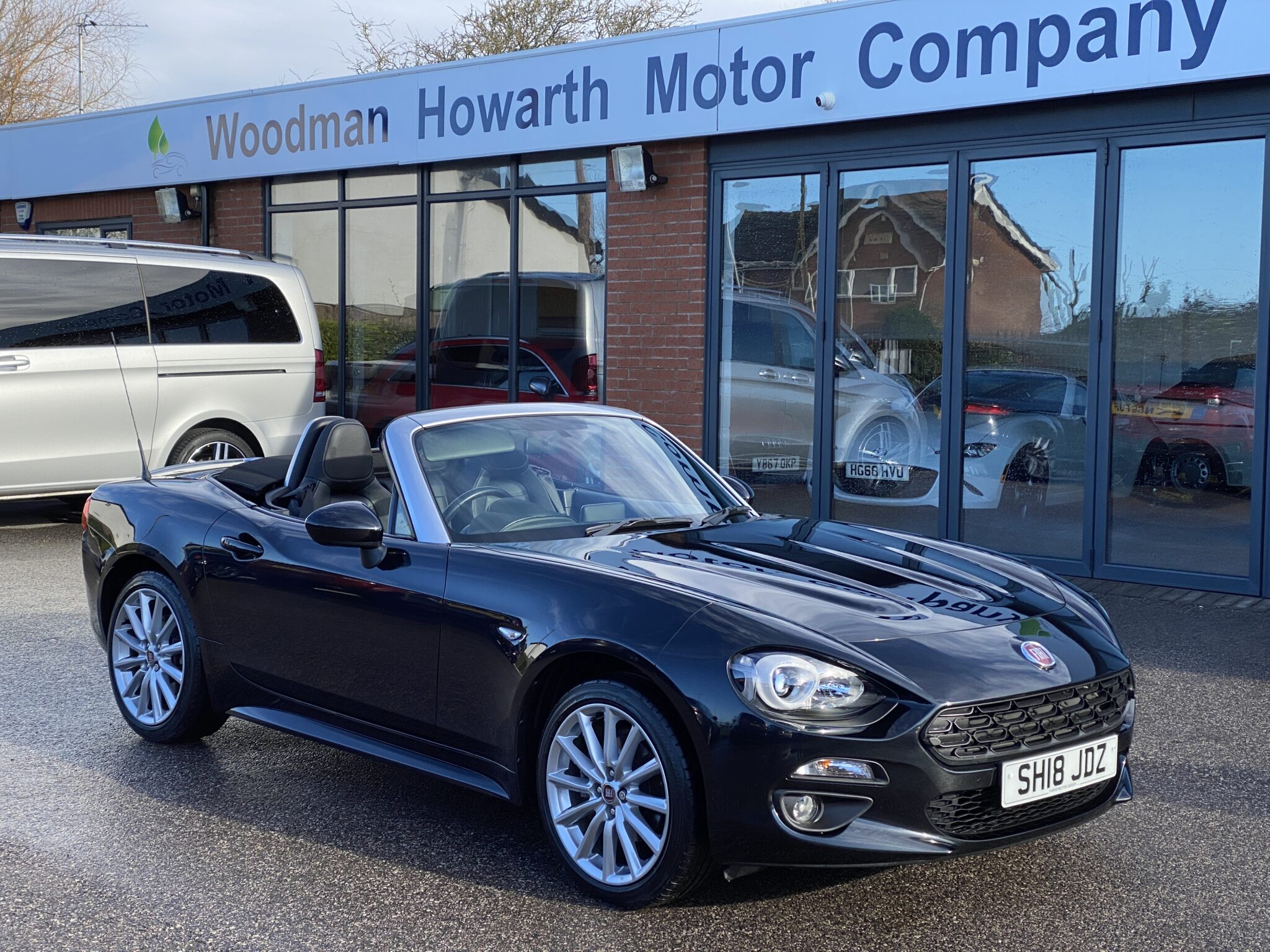 2018 18 FIAT 124 SPIDER 1.4 MULTIAIR LUSSO CONVERTIBLE Only 12500 Mls Fabulous Open Top Motoring