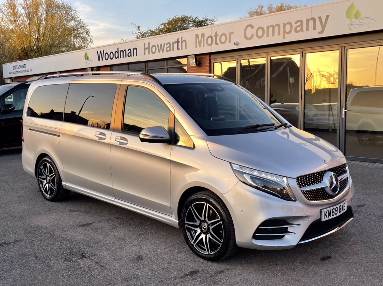 2019 69 MERCEDES BENZ V220 D 163BHP LONG AMG LINE 9G-TRONIC AUTO FACELIFT MODEL - VAT Qualifying - 360 Cameras - Memory Pack - COMAND - Pan Roof +++