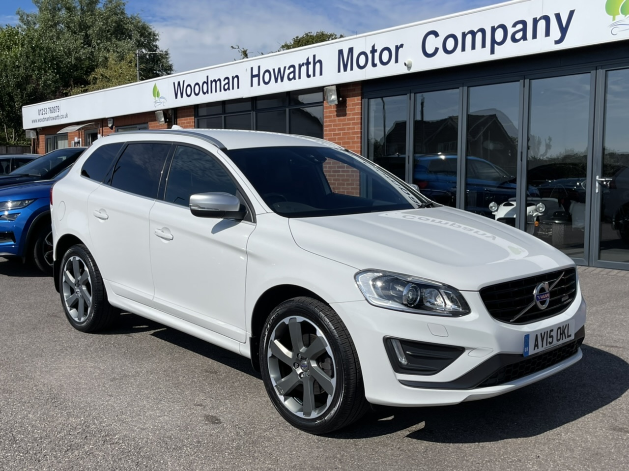 2015 15 VOLVO XC60 D4 R DESIGN LUX NAV GEARTRONIC AUTO - High Spec Many Extras