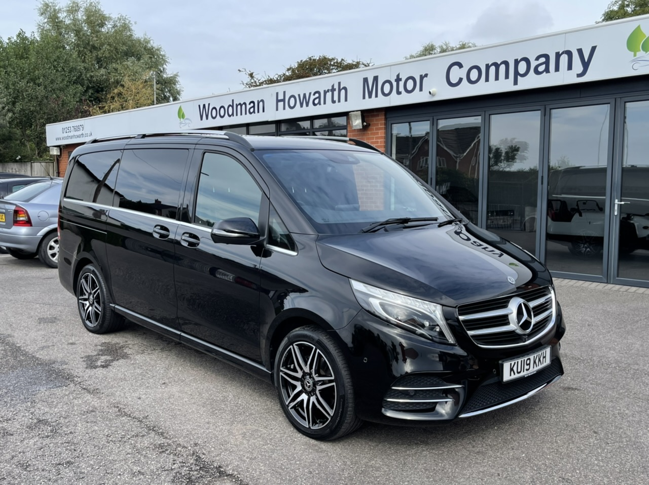 2019 19 MERCEDES BENZ V220D 163BHP AMG LINE LWB 7G-TRONIC AUTO - 8 Seater - COMAND - Memory Pack Electric Seats - 360 Cameras
