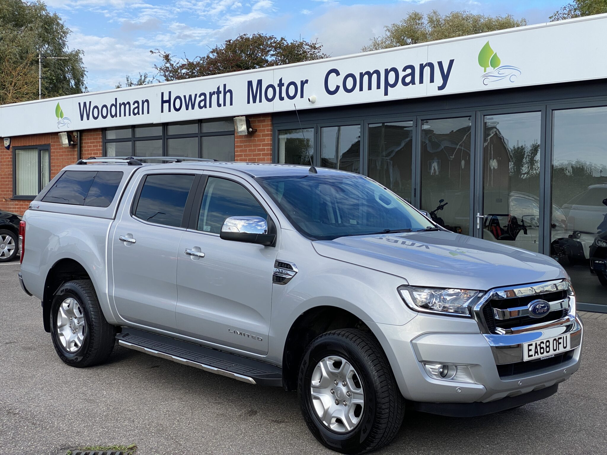 2018 68 FORD RANGER DOUBLE CAB LIMITED 3.2DCi AUTO 200BHP 1 Owner FSH Rear Canopy